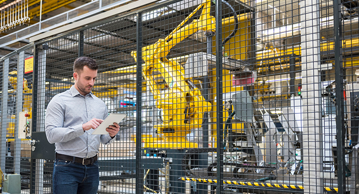 """Einladung zur Webinarreihe """"Maschinensicherheit in der Produktion"""""""