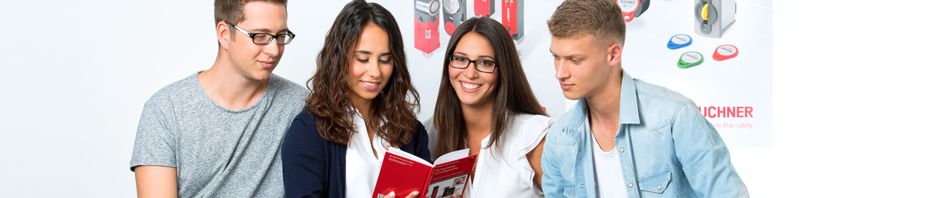 Industrial Management Assistant with additional qualification in international industrial management with languages